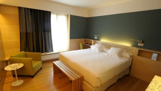 hotel-panticosa-continental-dormitorio