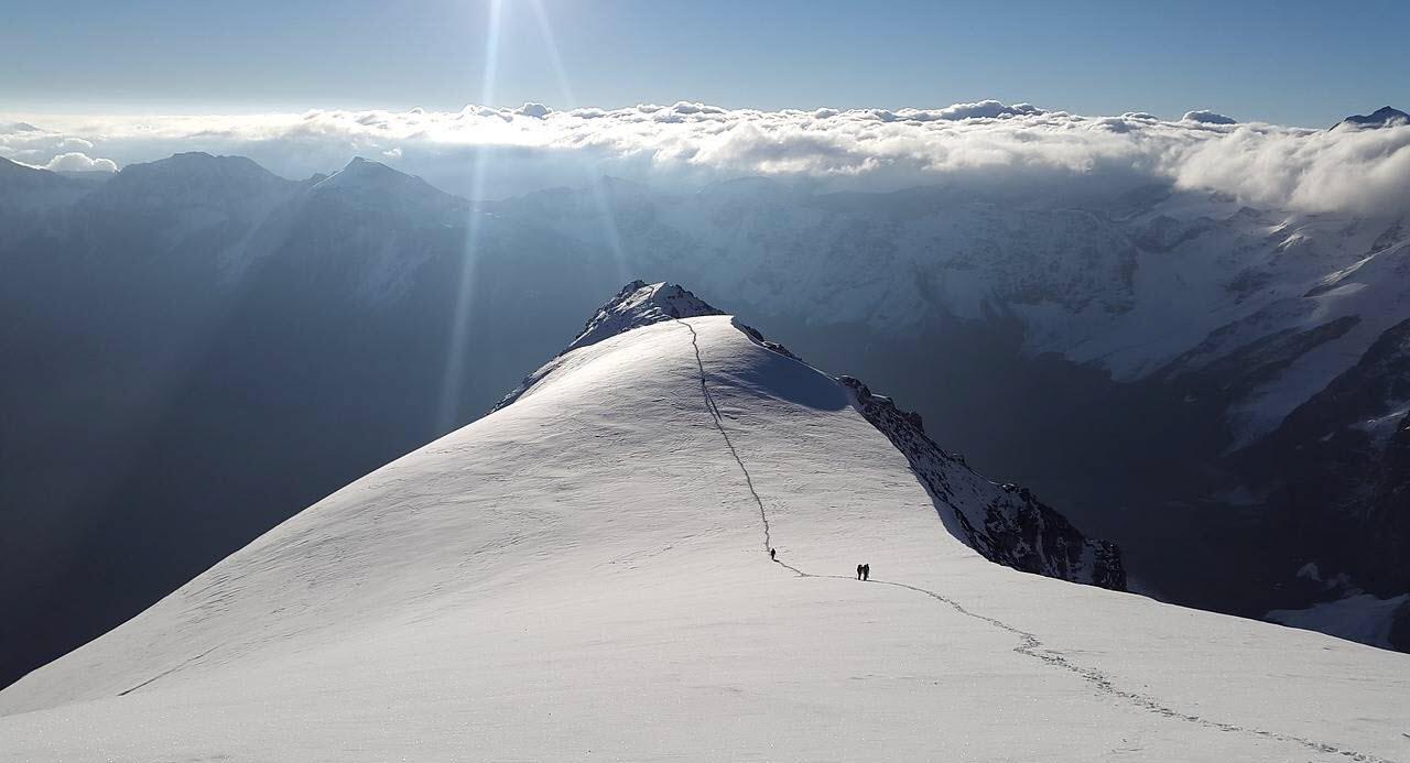 esqui de travesía o esquí de montaña