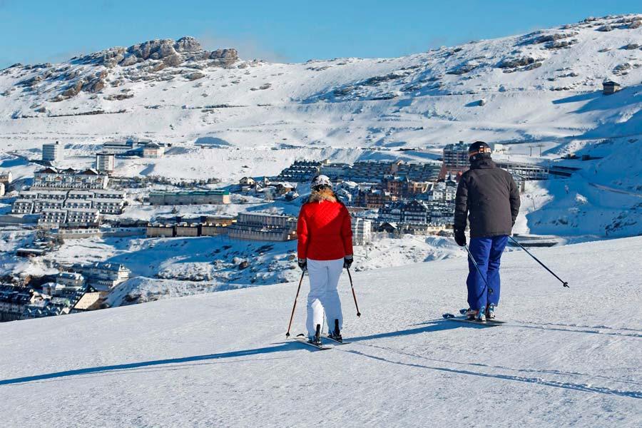 Miles de personas celebraron las Navidades esquiando