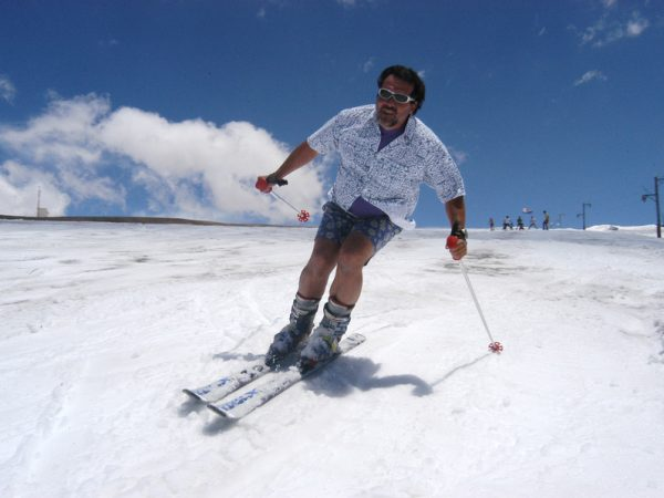 Esquiar en nieve primavera