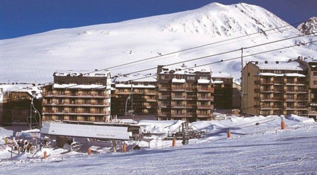 Frontera Blanca en Pas de la casa – Hoteles pie de pista Grandvalira