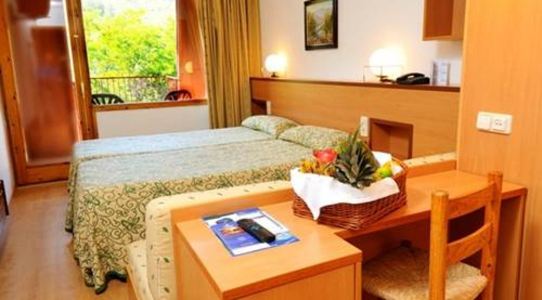 hotel-pie-pista-cerler-evenia-monte-alba