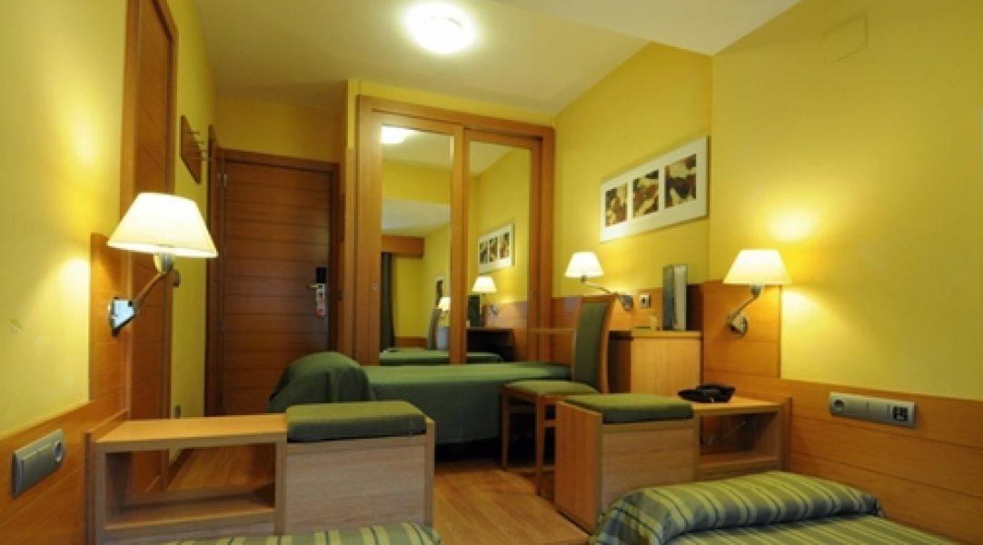 habitaciokn hotel montarto a pie de pista en baqueira