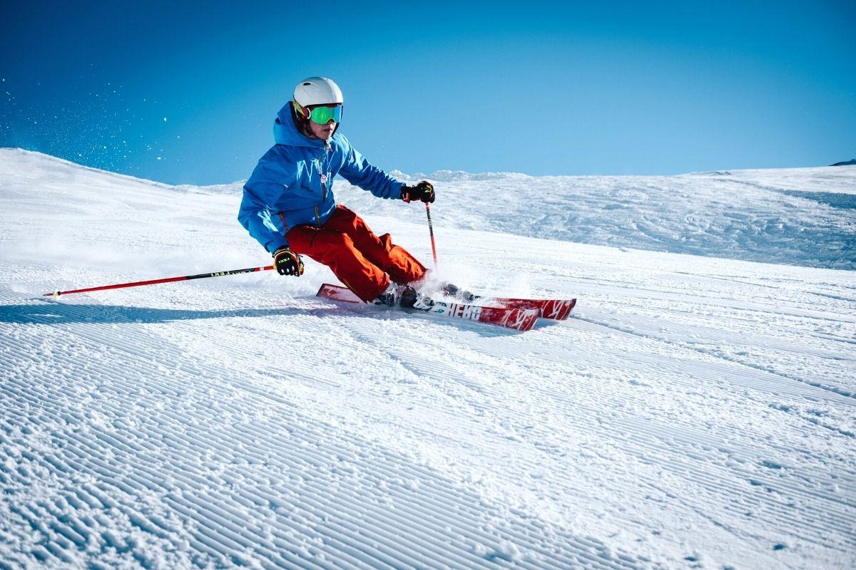 Cómo esquiar con técnicas para principiantes
