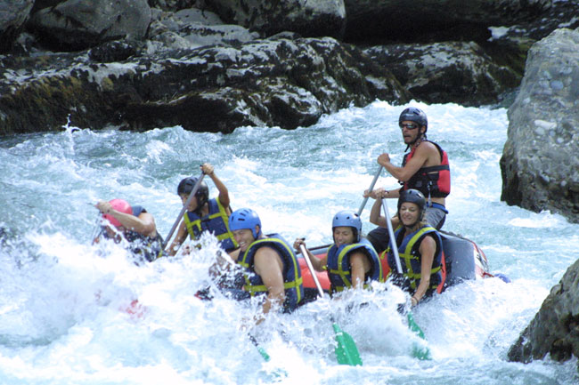 Rafting descent in Aragonese Pyrenees