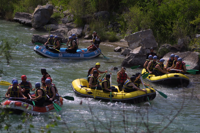 Live the rafting in Aragonese Pyrenees