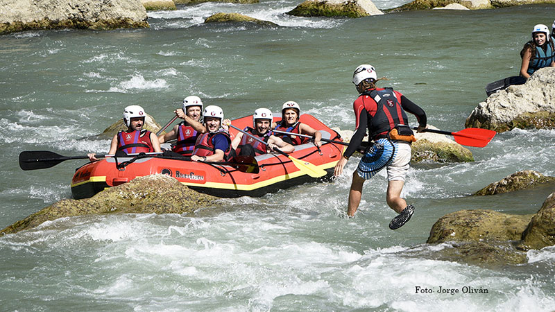 Rafting adventure trips in Aragonese Pyrenees
