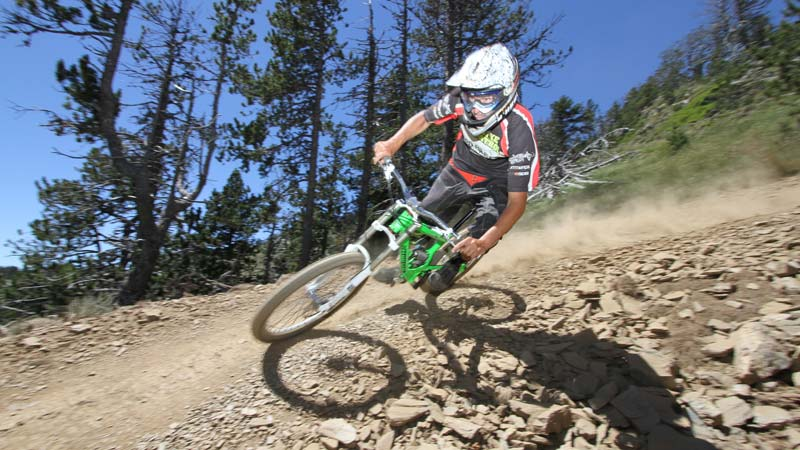 MTB downhill runs at the best possible price in Vallnord Bike Park