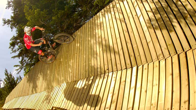 MTB downhill runs offers at the best possible price in Vallnord Bike Park
