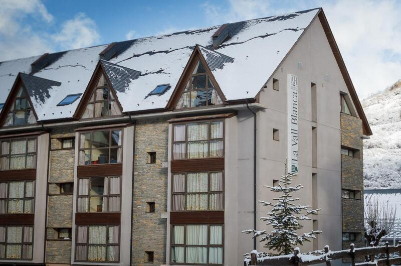 Photos of Aparthotel La Vall Blanca-viella in Vielha, Spain (2)