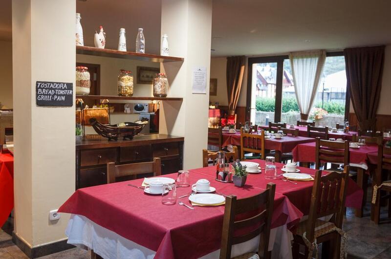 Photos of Aparthotel La Vall Blanca-viella in Vielha, Spain (4)