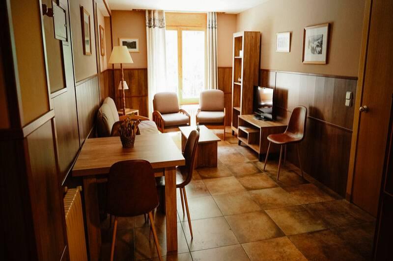 Photos de Aparthotel - Apartamentos La Neu à Ordino, Andorre (15)