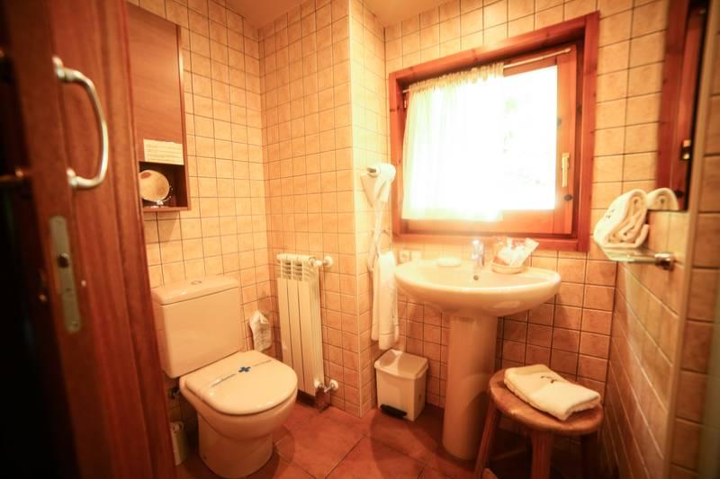 Photos de Aparthotel - Apartamentos La Neu à Ordino, Andorre (30)
