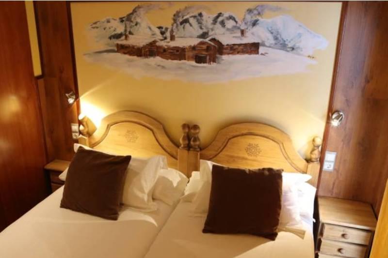 Photos de Aparthotel - Apartamentos La Neu à Ordino, Andorre (32)