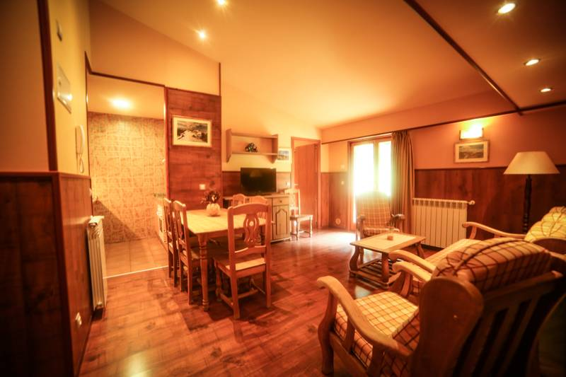 Photos de Aparthotel - Apartamentos La Neu à Ordino, Andorre (35)