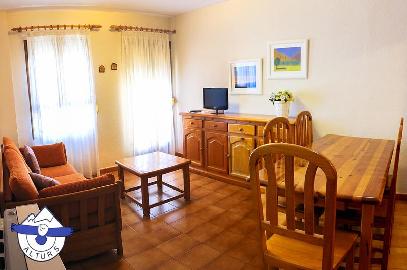 Photos of Apartamentos Altur 5 - Jaca in Jaca, Spain (1)