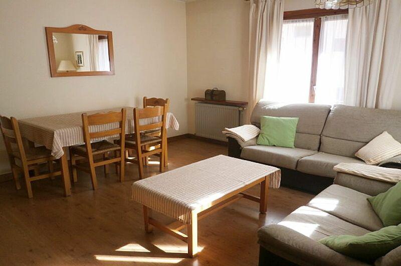 Apartamentos Sallent De Gallego 300010