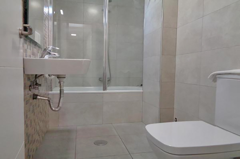 Fotos de Apartamentos Ramirez 3000 en Granada, España (11)