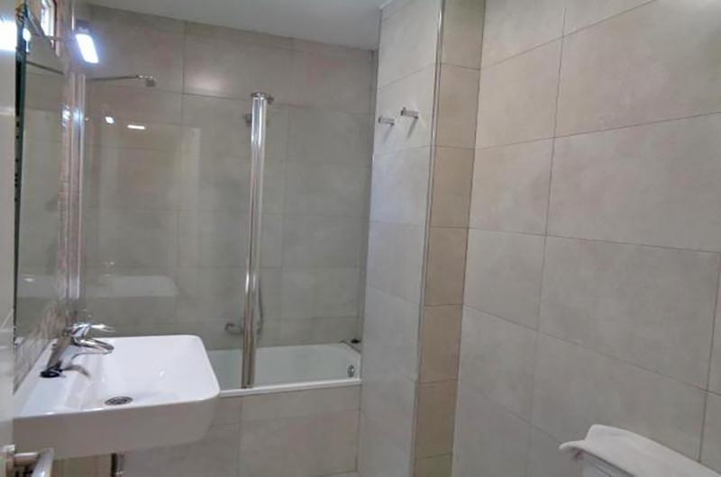 Fotos de Apartamentos Ramirez 3000 en Granada, España (12)