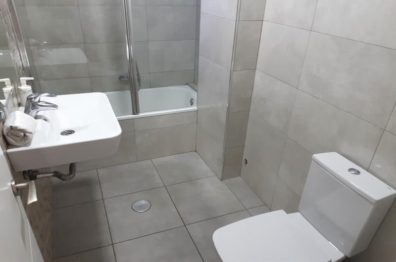 Fotos de Apartamentos Ramirez 3000 en Granada, España (7)
