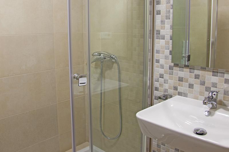Fotos de Apartamentos Valentina Deluxe 3000 en Granada, Espanya (16)