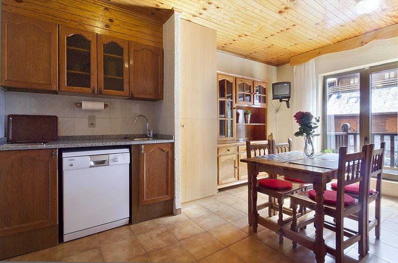 Photos of Apartamentos Kione Deusol in Soldeu, Andorra (7)