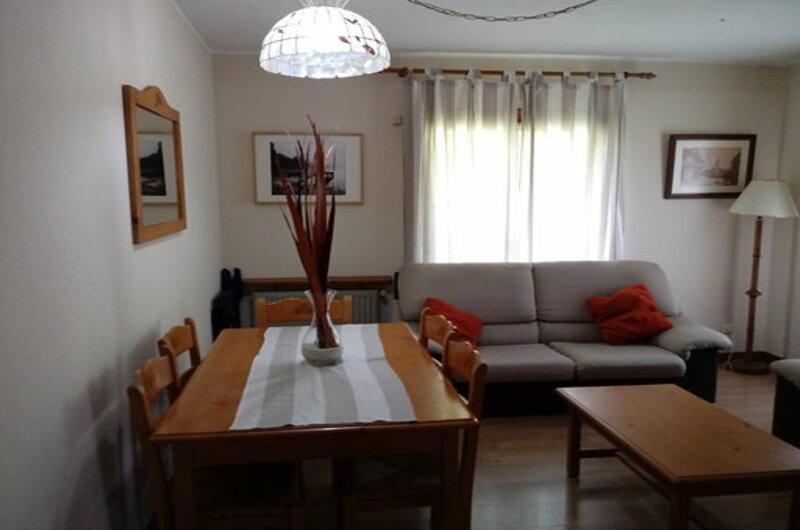 Apartamentos Sallent De Gallego 3000