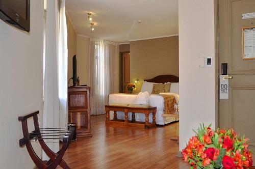 Fotos de Time Hotel Rugendas en LAS CONDES, CHILE (1)