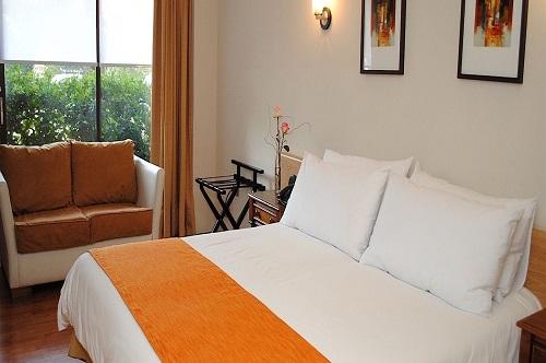 Hotel Manquehue Las Condes2