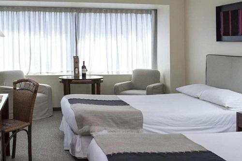 Hotel Galerias Almacruz1