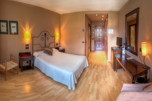 Photos of Hotel Cotiella in CAMPO, SPAIN (5)