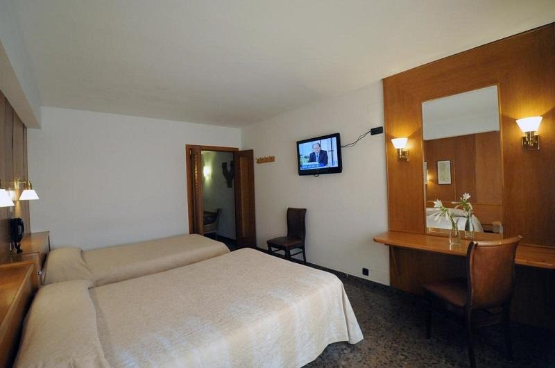 Hotel jaume i ad500 andorra la vella andorra for Habitaciones familiares andorra