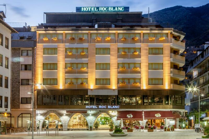 Hotel Roc Blanc1