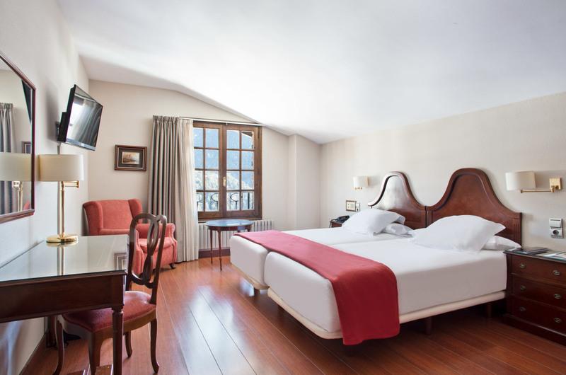 Foto 21 Hôtel Hotel Abba Xalet Suites  , SISPONY