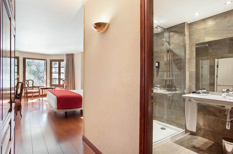 Foto 24 Hôtel Hotel Abba Xalet Suites  , SISPONY