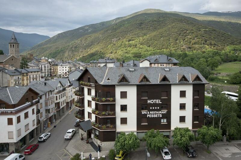Photos of Hotel Pessets in SORT, SPAIN (1)