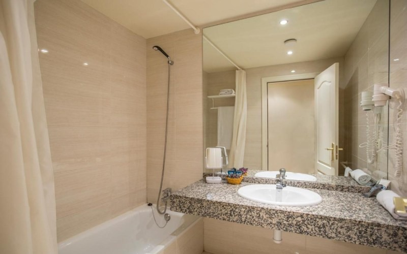 Photos of Patagonia Atiram Hotel in ARINSAL, ANDORRA (2)