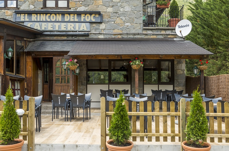Fotos de Hotel San Anton en BENASQUE, ESPANYA (3)