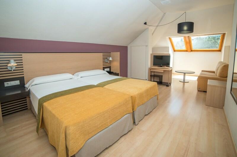 Fotos de Aparthotel Oroel en JACA, ESPANYA (11)