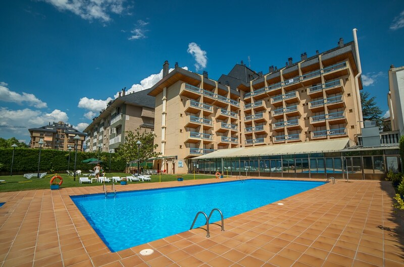 Fotos de Aparthotel Oroel en JACA, ESPANYA (8)