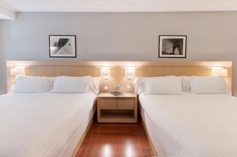 Foto 11 Hotel Hotel Holiday Inn , ANDORRA LA VELLA