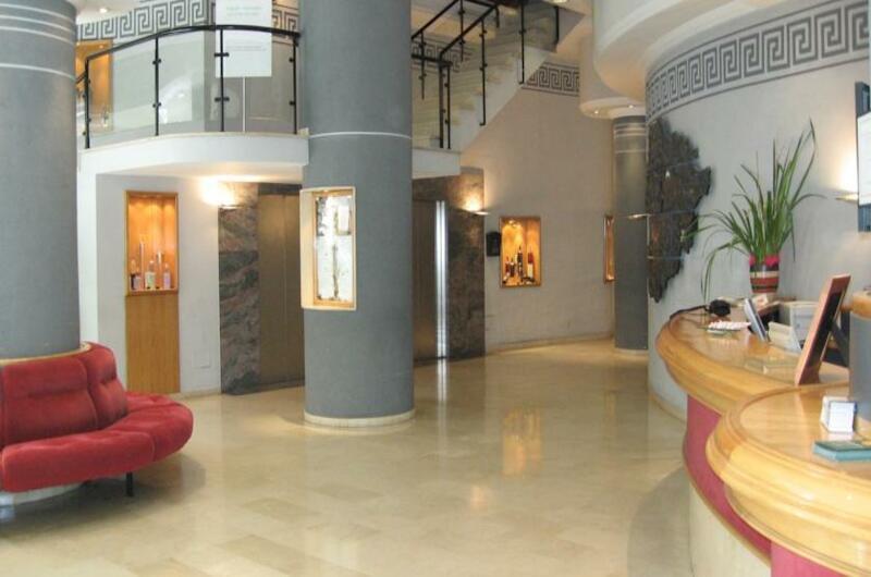 Hotel President2
