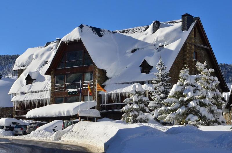 Photos of Hotel Chalet Bassibe in BAQUEIRA BERET, SPAIN (1)