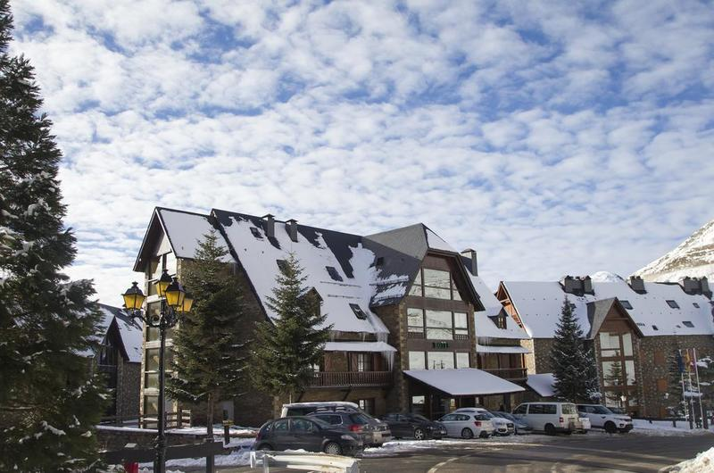 Photos of Hotel Chalet Bassibe in BAQUEIRA BERET, SPAIN (2)