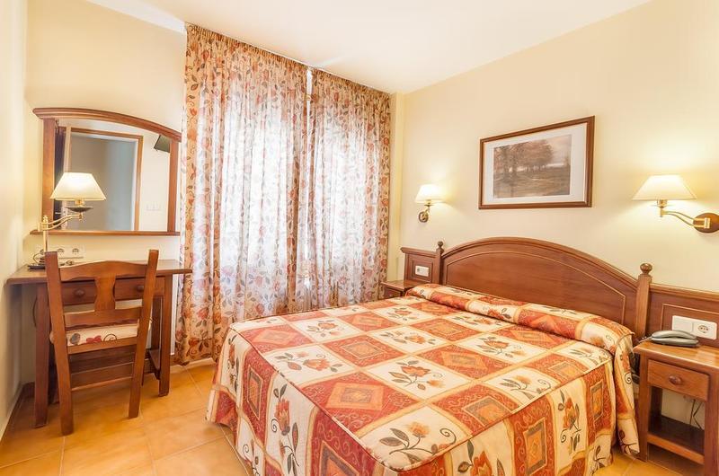 Foto 14 Hotel Hotel Montecarlo, ENCAMP