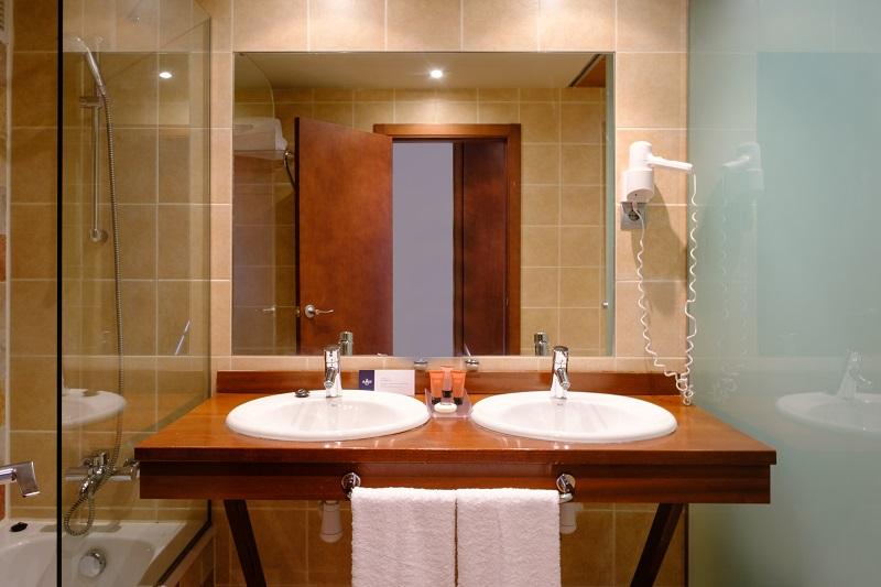 Fotos de FUN Aragón Hills Hotel & Spa en FORMIGAL, ESPANYA (9)