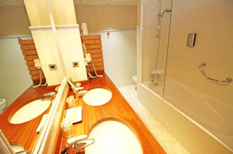 Hotel Villa De Sallent 48