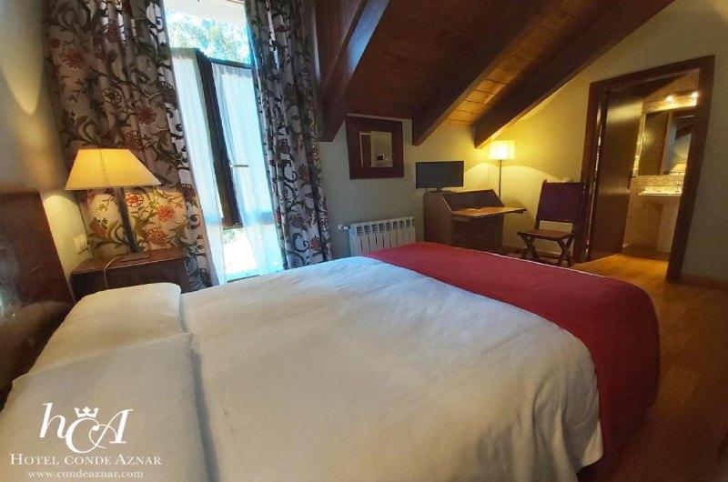 Fotos de Hotel Conde Aznar en JACA, ESPANYA (7)
