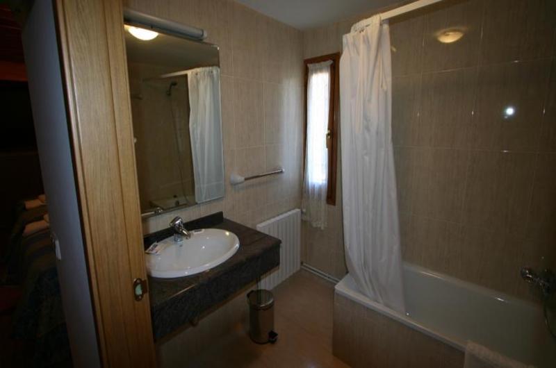 Fotos de Hotel Can Mestre en EL PONT DE SUERT, ESPANYA (10)