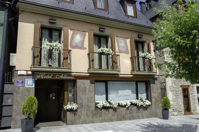 Photos of Hotel Albares in VIELHA, SPAIN (1)